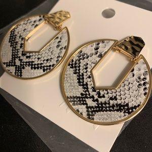 🖤H&M Black & White Snake Skin Print Earrings